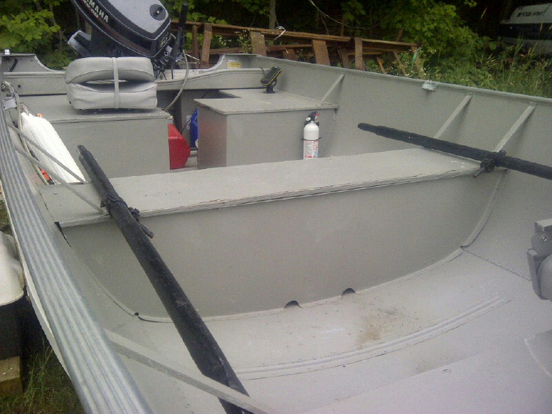 Inside of the 18' Lund Fishing Boat