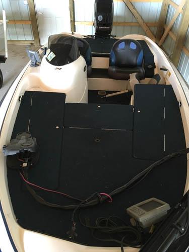 Front bird's eye view of 17' Nitro 700 LX Fishing Boat
